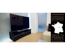 TV in AV STOJALA /OMARICE