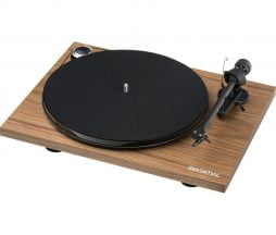 Pro-Ject Essential III - les