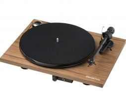 Pro-Ject Essential III HP - les